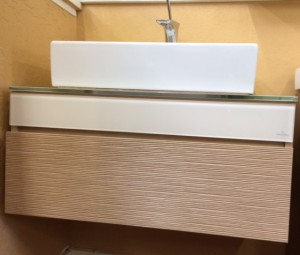 This is a beautiful vanity that could go well with so many design styles