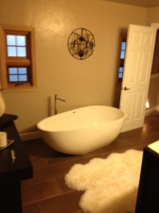 Solid Surface Tub