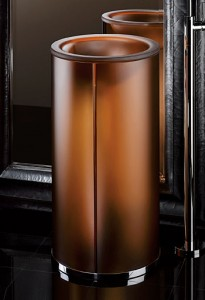 Statement and lightly lighted pedestal. YES please!